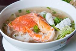 Món mới: Phở hải sản Cali